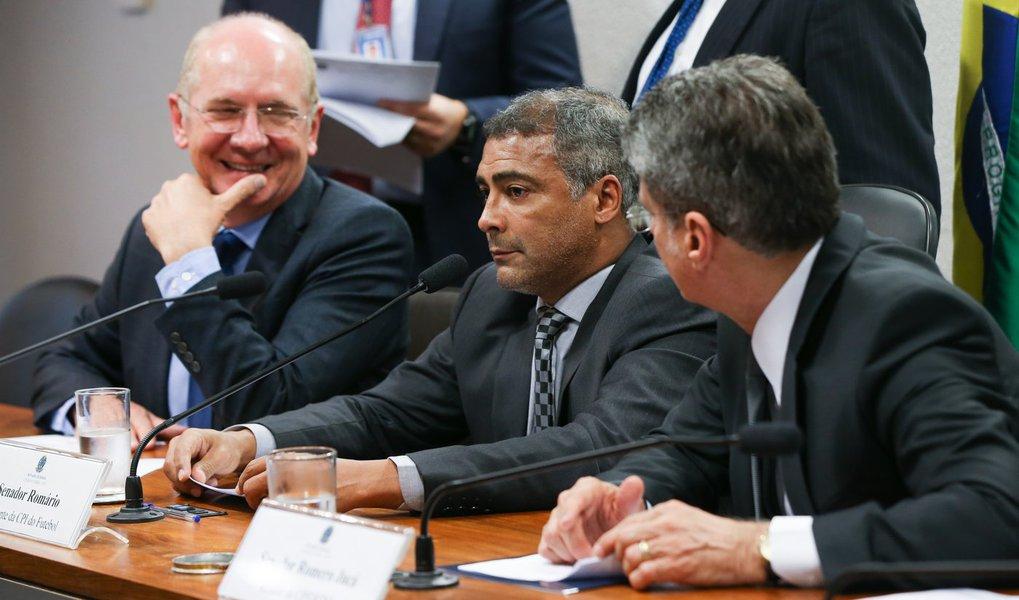 Brasília- DF 23-09-2015 Foto Lula Marques/Agência PT Senador, Romário durante reunião deliberativa da CPI do Futebol para votação de requerimentos.