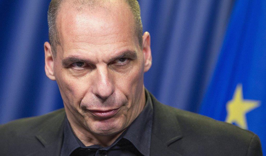 Ministro das Finanças da Grécia, Yanis Varoufakis, durante entrevista coletiva em Bruxelas. 27/06/2015 REUTERS/Yves Herman