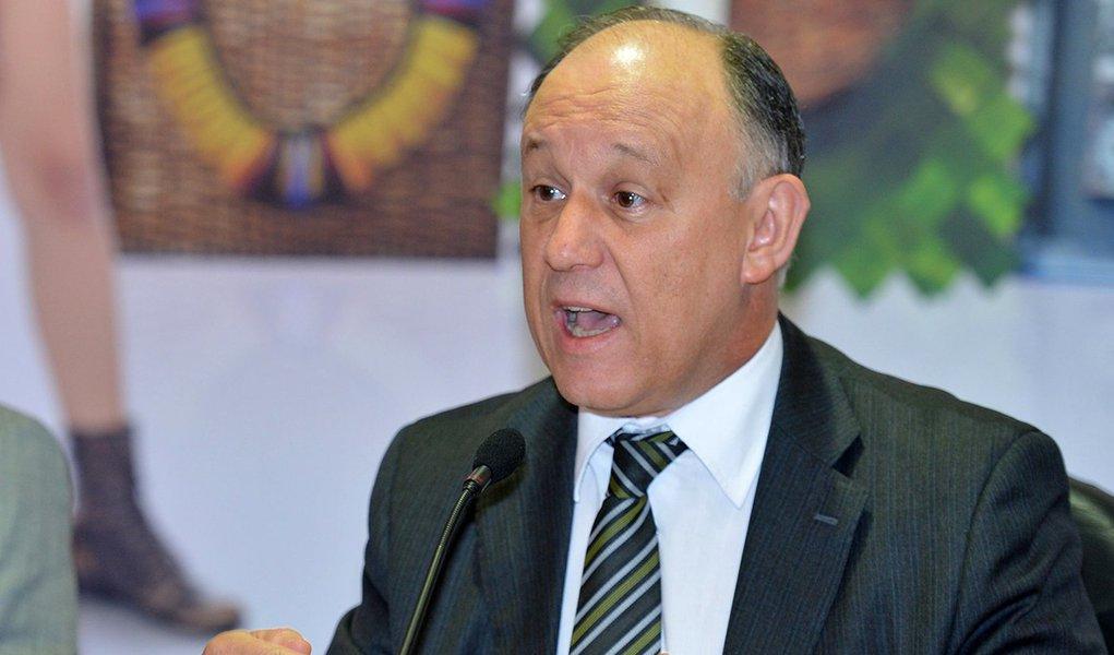 Ministros da Saúde, Arthur Chioro e de Direitos Humanos, Pepe Vargas, durante laçamento da campanha sobre saúde de mulheres lésbicas e bissexuais (Fabio Rodrigues Pozzebom/Agência Brasil)