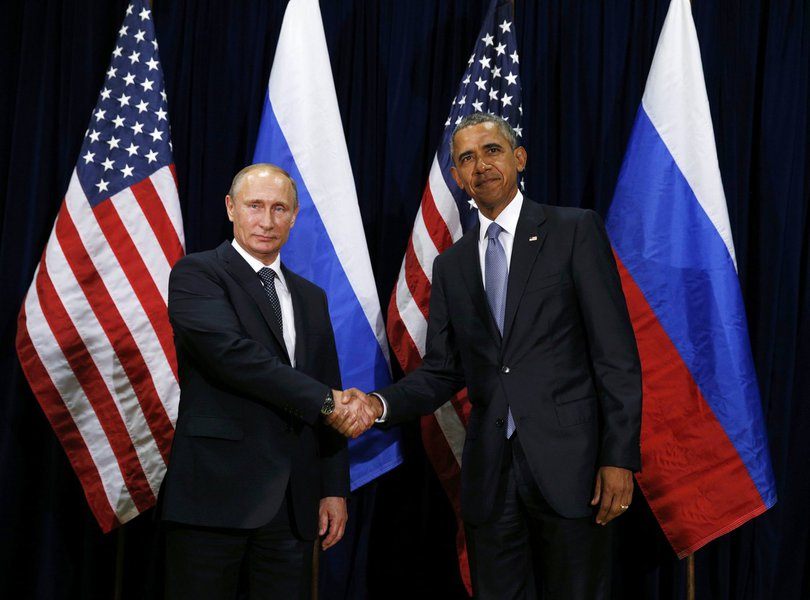 U.S. President Barack Obama (R) meets with Russian President Vladimir Putin during the 70th session of the United Nations General Assembly at the U.N. Headquarters in New York, September 28, 2015. REUTERS/Kevin Lamarque