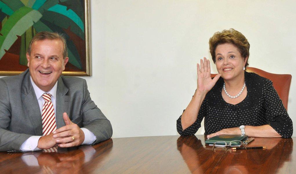 Bras�lia - A presidenta Dilma Rousseff recebe o prefeito reeleito de Goi�nia, Paulo Garcia, no Pal�cio do Planalto