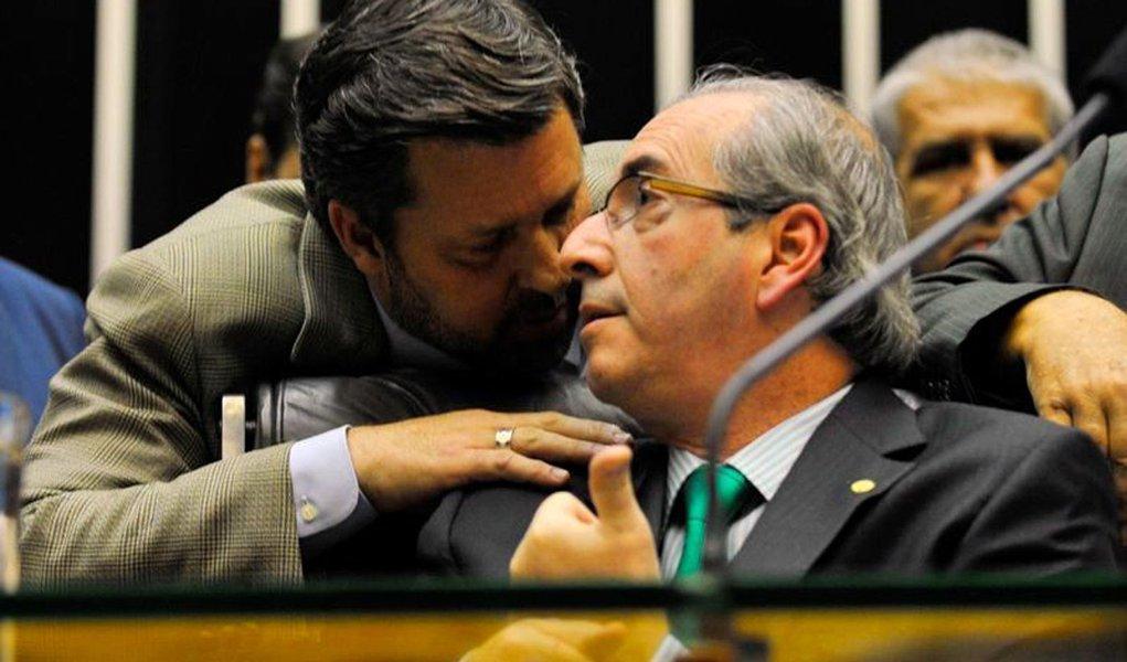 Presidente da C�mara dos Deputados, Eduardo Cunha, durante sess�o extraordin�ria para tentar concluir a vota��o da reforma pol�tica, em primeiro turno (Antonio Cruz/Ag�ncia Brasil)