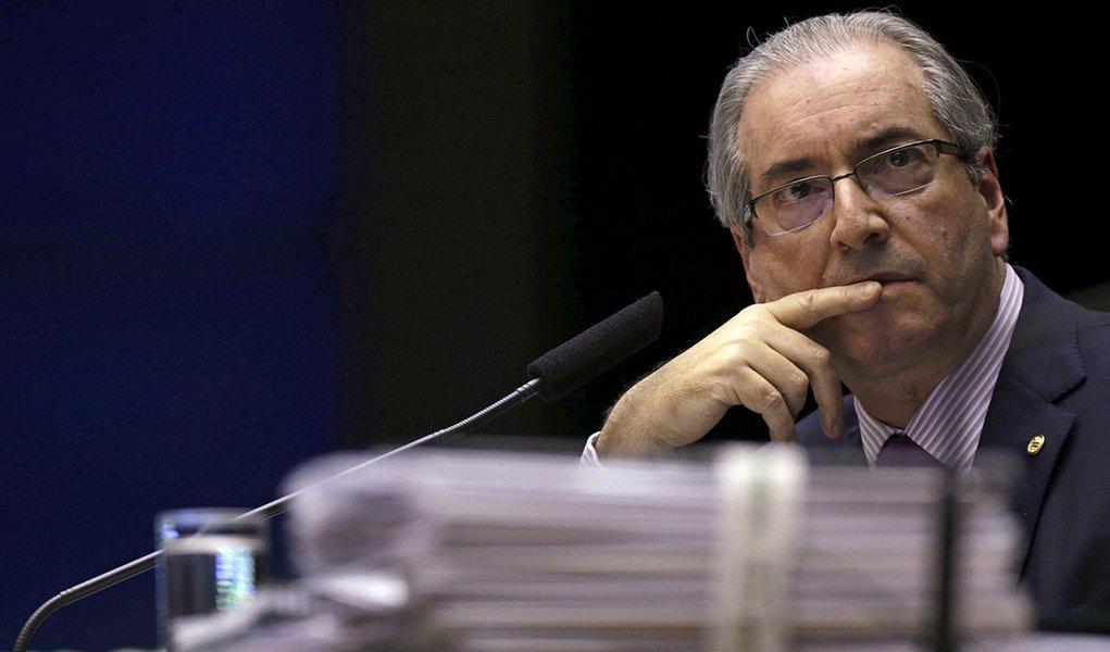 Presidente da Câmara dos Deputados, Eduardo Cunha, durante sessão plenária em Brasília. 24/11/2015 REUTERS/Ueslei Marcelino