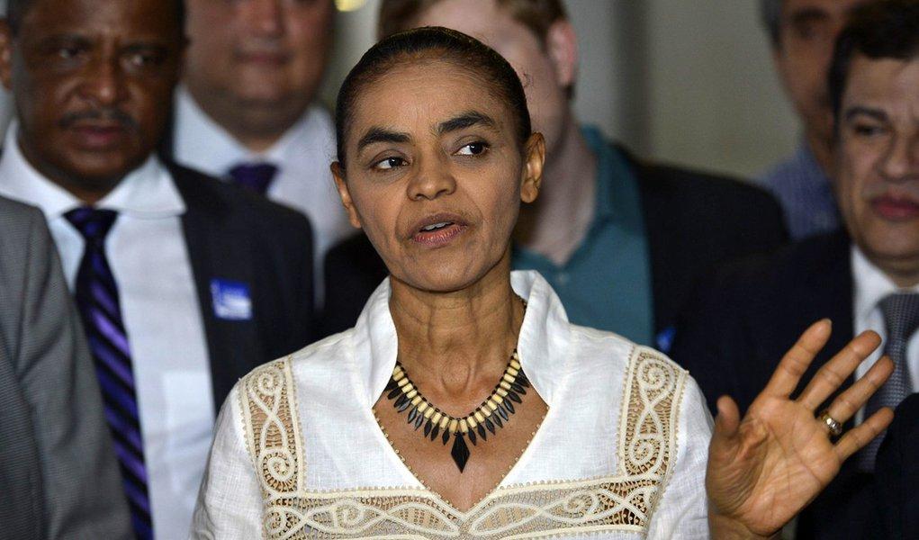 Bras�lia - A ex-senadora e fundadora da Rede Sustentabilidade, Marina Silva, apresenta oficialmente os novos filiados ao partido no Congresso Nacional, durante o ato Brasil em Rede (Jos� Cruz/Ag�ncia Brasil)