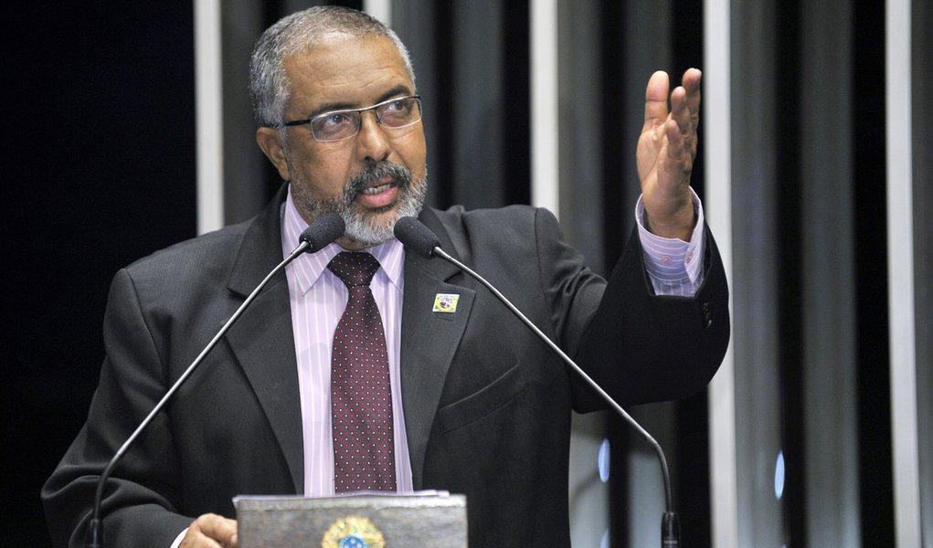 Plenário do Senado Federal durante sessão deliberativa ordinária. Em discurso, senador Paulo Paim (PT-RS). Foto: Waldemir Barreto/Agência Senado