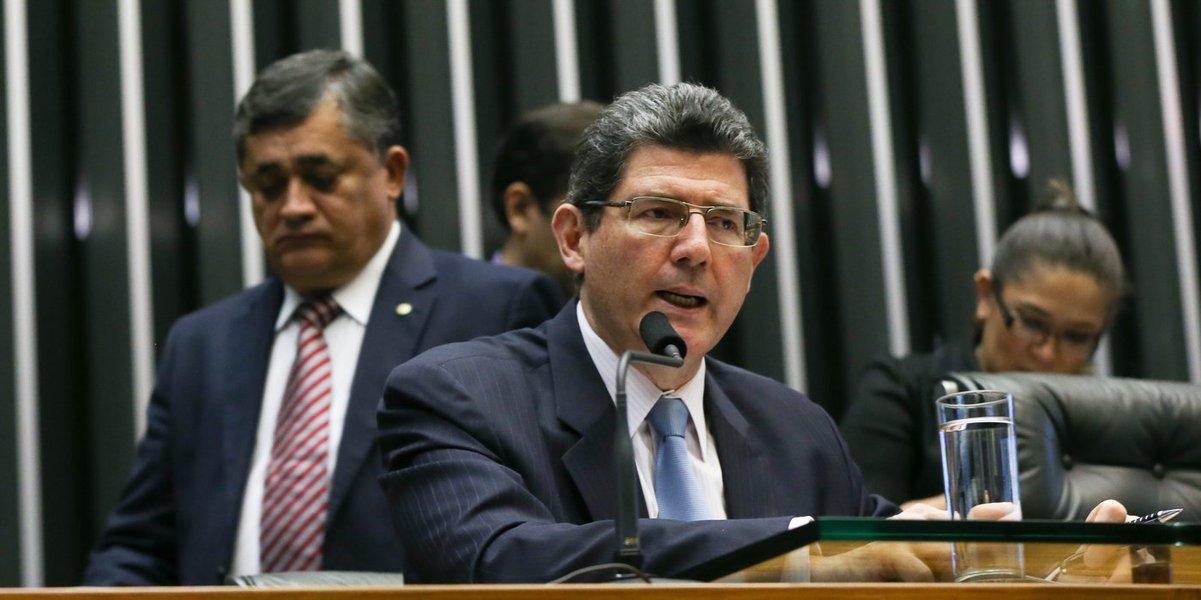 Brasília- DF14-10- 2015 Foto Lula Marques/Agência PT MInistro Joaquin Levy durante depoimento na comissão geral da câmara. Plenário da câmara.