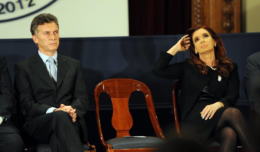 acto en la bolsa de comercio por la cancelacion deuda boden 2012 02-08-12 CRISTINA Y MACRI EN LA BOLSA DE COMERCIO. FOTO, NESTOR SIEIRA.