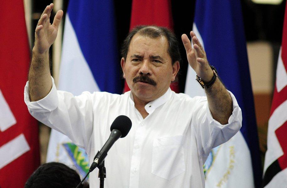 Nicaragua's President Daniel Ortega addresses the audience in Managua October 6, 2011. REUTERS/Jorge Cabrera (NICARAGUA - Tags: POLITICS)