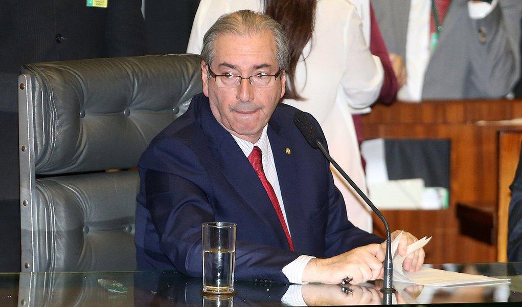 Brasília- DF 15-12-2015 Foto Lula Marques/Agência PT Deputado, Eduardo Cunha preside a sessão da câmara. Deputados votando.