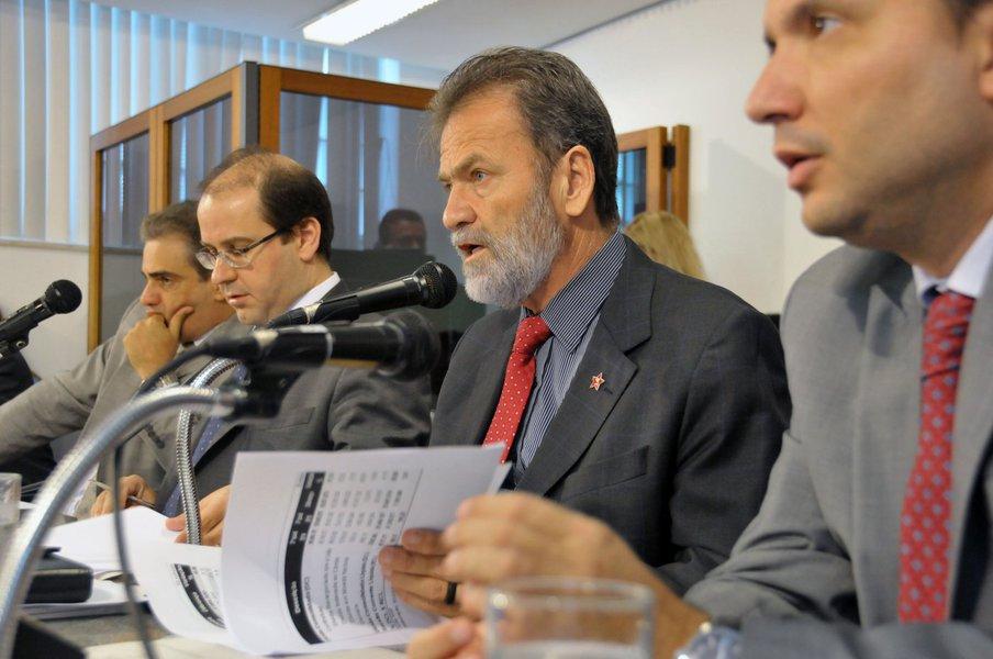 Felipe Atti� (deputado estadual PP/MG), Tiago Ulisses (deputado estadual PV/MG), Durval �ngelo (deputado estadual PT/MG), Arnaldo Silva (deputado estadual PR/MG)