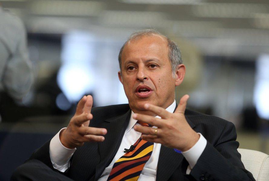 DEB6394 S�O PAULO 26/11/2012  NACIONAL  DEBATE OAB Alberto Zacharias Toron, advogado canditado � presidencia da OAB durante debate realizado na TV Estad�o. FOTO: JF DIORIO/ ESTAD�O