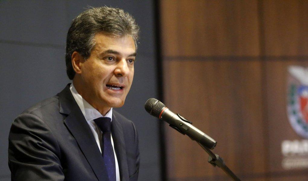 Governador Beto Richa durante reunião com secretariado. Curitiba, 27/05/2015. Foto: Rogério Machado/ANPr