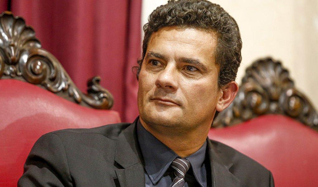 O juiz federal Sergio Moro, responsavel pela operacao Lava-a-Jato da Petrobras, fala para estudantes de Direto da UFPR.