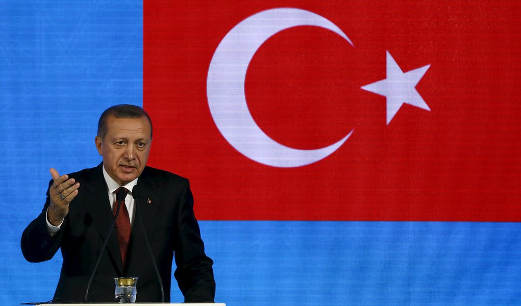 Presidente da Turquia, Tayyip Erdogan, durante encontro em Istambul. 13/11/2015 REUTERS/Osman Orsal