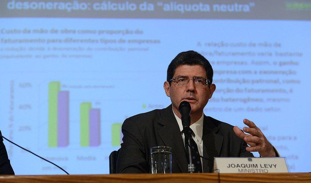 Brasília- DF- Brasil- 27/02/2015- O ministro da Fazenda, Joaquim Levy, fala sobre a redução da desoneração da folha de pagamentos (Valter Campanato/Agência Brasil)