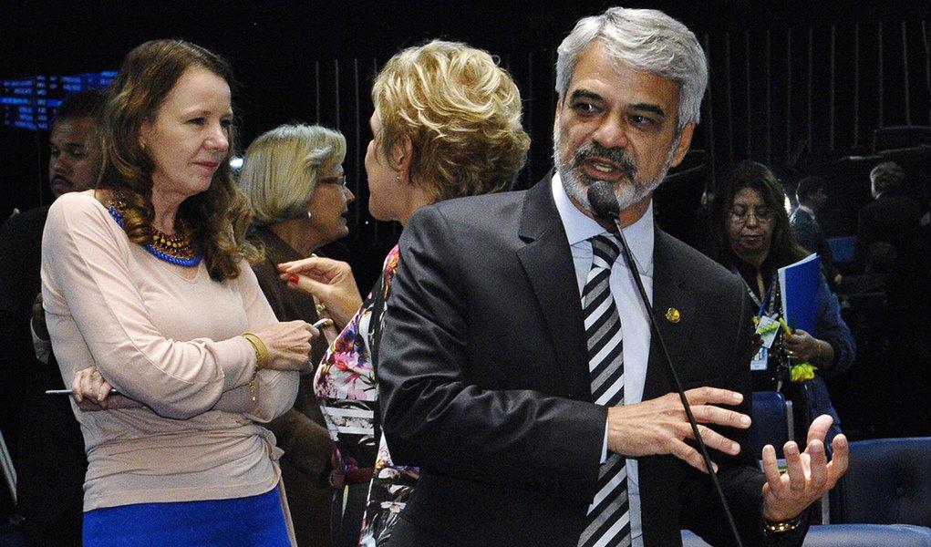 Plenário do Senado durante sessão deliberativa ordinária.  Em pronunciamento, senador Humberto Costa (PT-PE).  Foto: Waldemir Barreto/Agência Senado