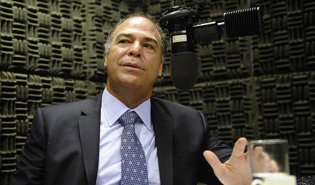 Senador Fernando Bezerra Coelho (PSB-PE) concede entrevista à Rádio Senado.  Foto: Edilson Rodrigues/Agência Senado