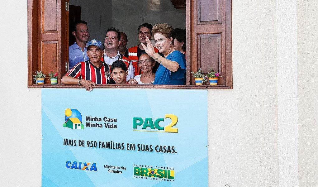 Rio Branco - AC, 11/03/2015. Presidenta Dilma Rousseff durante Cerimônia de entrega de 967 unidades habitacionais, dos Residenciais Cidade do Povo, Rui Lino, Abunã e Cabreúva, do Programa Minha Casa Minha Vida. Foto: Roberto Stuckert Filho/PR.