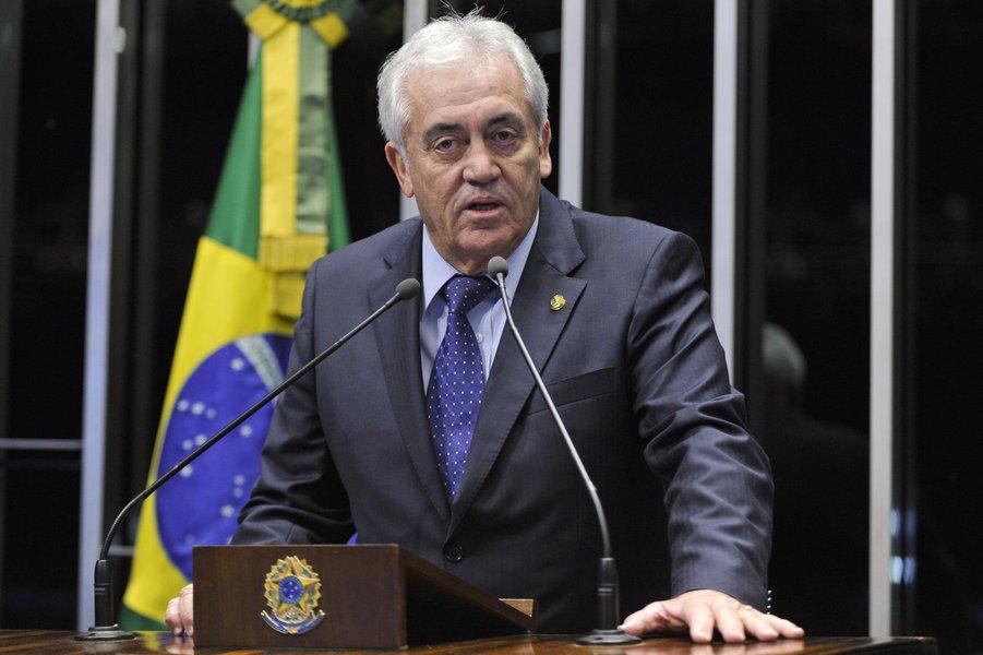 Plenário do Senado Federal durante sessão deliberativa ordinária.  Em discurso na tribuna, senador Otto Alencar (PSD-BA).  Foto: Marcos Oliveira/Agência Senado