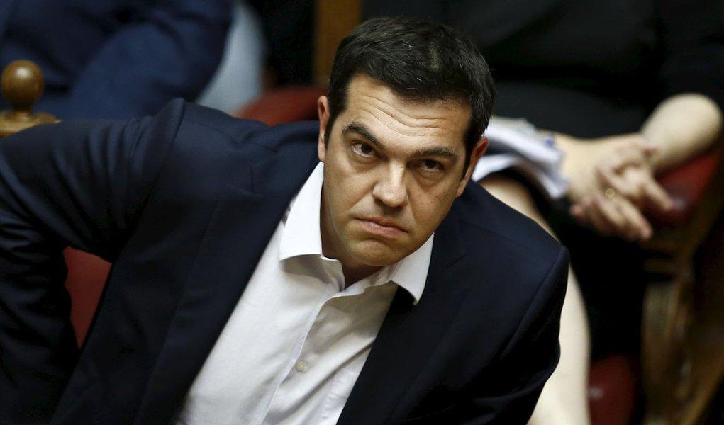 Primeiro-ministro grego, Alexis Tsipras, durante sessão parlamentar, em Atenas. 27/06/2015 REUTERS/Alkis Konstantinidis