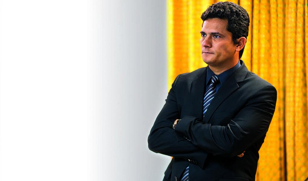 RIO DE JANEIRO, 04.12.2014: CORRUPÇÃO/JUSTIÇA - O juiz federal de Curitiba Sergio Moro, responsável pela Operação Lava Jato, participa do Seminário Nacional sobre Combate à Corrupção e à Lavagem de Dinheiro, no Rio de Janeiro. (Foto: Ricardo Borges/Folhap