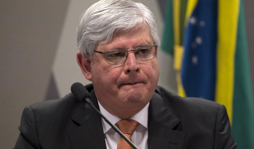 A Comiss�o de Constitui��o e Justi�a do Senado, sabatina Rodrigo Janot Monteiro de Barros, indicado para ser reconduzido ao cargo de procurador-geral da Rep�blica (Marcelo Camargo/Ag�ncia Brasil)
