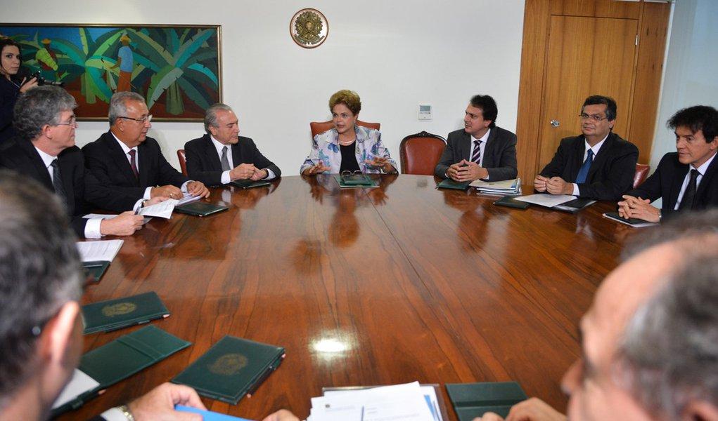 A presidente Dilma reúne-se com os governadores da região Nordeste (Valter Campanato/Agência Brasil)