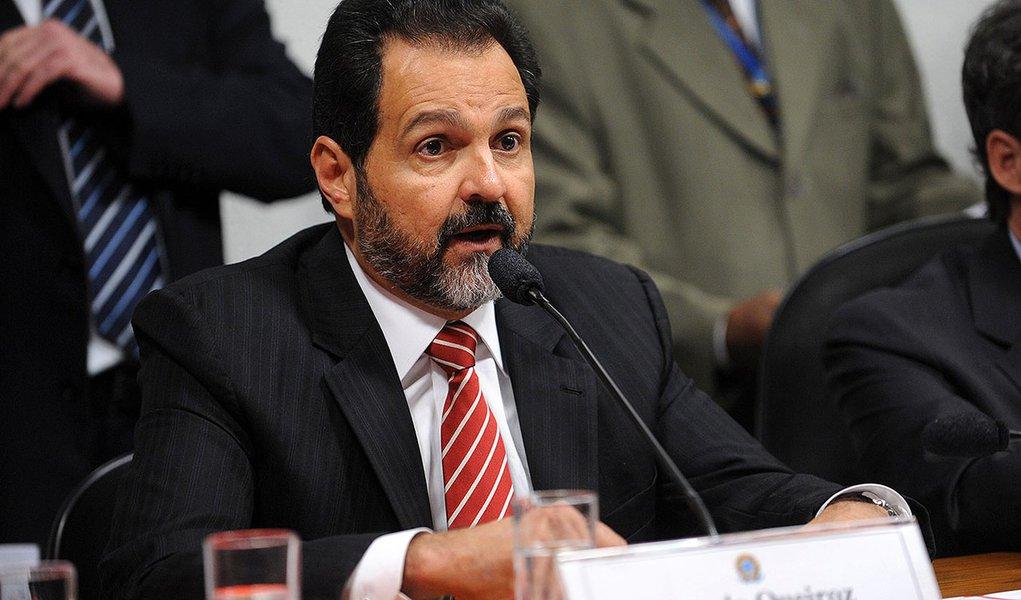 O governador do Distrito Federal,  Agnelo Queiroz, presta depoimento à Comissão Parlamentar Mista de Inquérito (CPMI) do Cachoeira