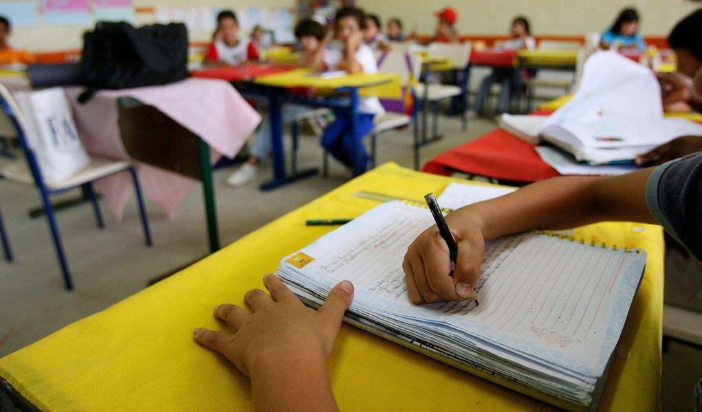escola educação aluno sala de aula