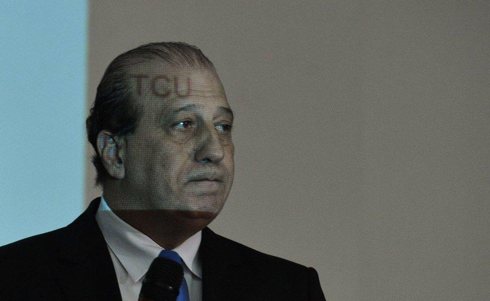 Brasília- DF- Brasil- 19/11/2014- O ministro Augusto Nardes, do TCU, vai dar uma palestra sobre desafios de governança - contas públicas, no auditório do STJ. (Valter Campanato/Agência Brasil)