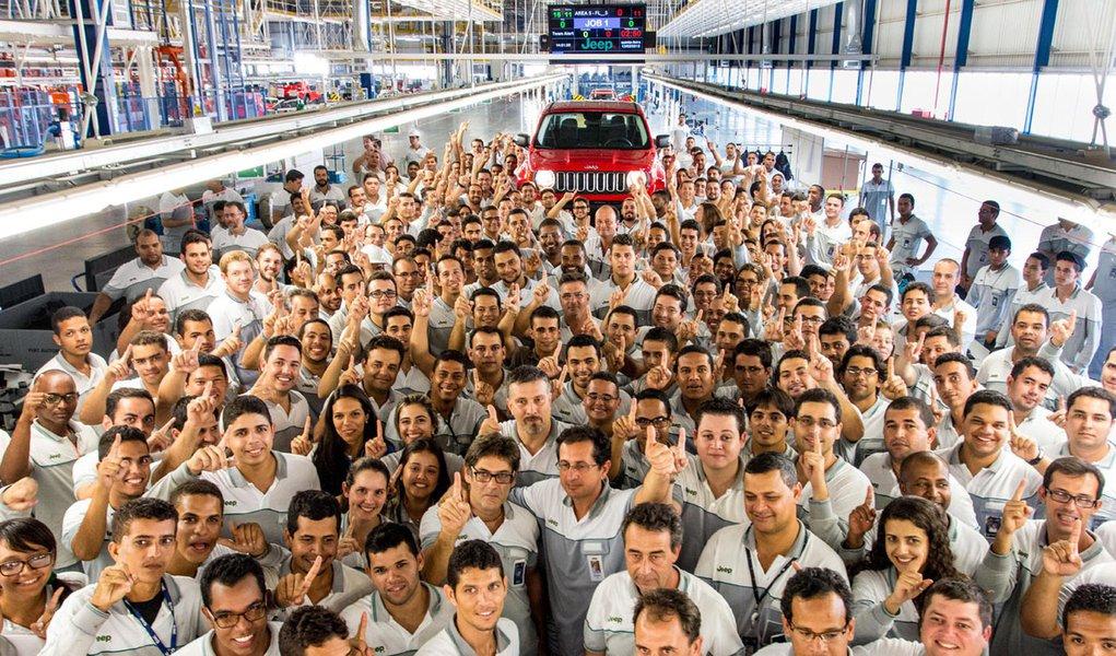 Linha de montagem do Jeep Renegade no récem Inaugurando Polo Automotivo Jeep, em Goiana, Pernambuco, a mais moderna das fábricas do grupo FCA – Fiat Chrysler Automobiles, o Renegade também expande a linha de veículos da marca, entrando no segmento dos SUV