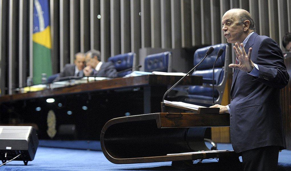 Plenário do Senado durante sessão deliberativa ordinária.  Em discurso, senador José Serra (PSDB-SP).  Foto: Jefferson Rudy/Agência Senado