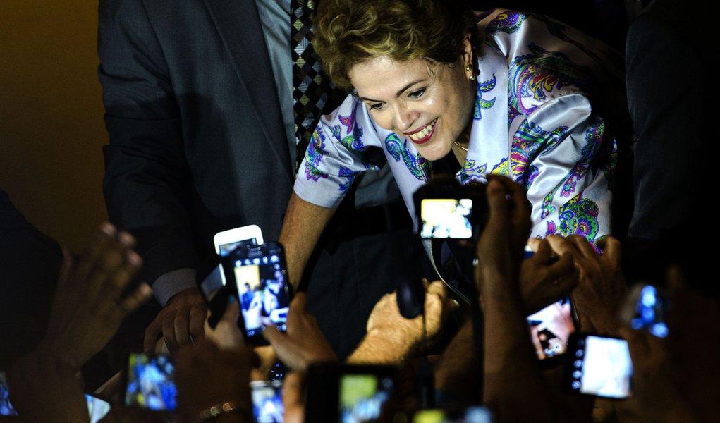 Brasília - A presidenta Dilma Rousseff participa da 15ª Conferência Nacional de Saúde, no Centro de Convenções Ulysses Guimarães (Marcelo Camargo/Agência Brasil)