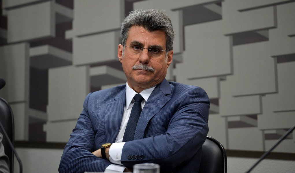 A comiss�o de reforma pol�tica discute as minutas de projeto apresentado pelo relator, Romero Juc� (Fabio Rodrigues Pozzebom/Ag�ncia Brasil)