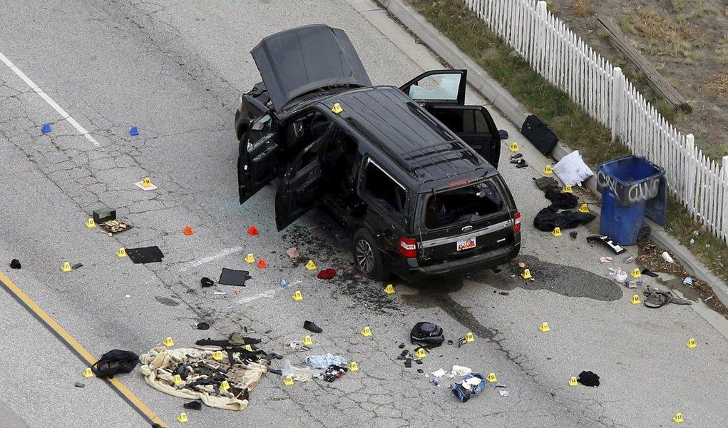 Restos de um carro usado no ataque desta semana em San Bernardino, na Califórnia. 03/12/2015 REUTERS/Mario Anzuoni