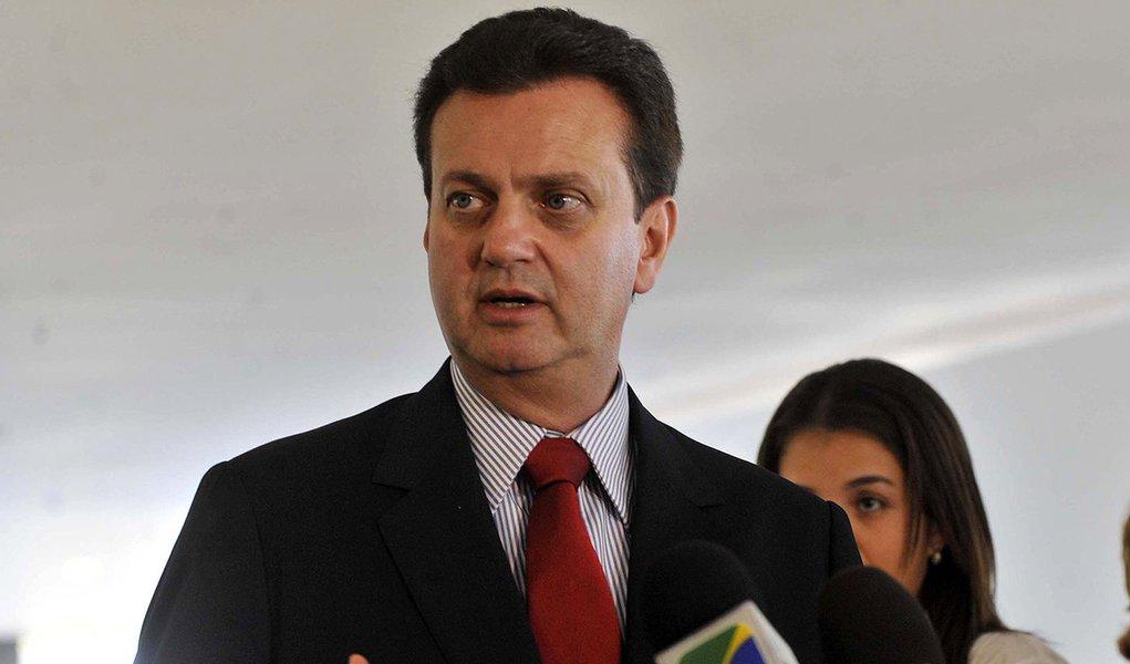 Bras�lia - O prefeito de S�o Paulo, Gilberto Kassab, fala com a imprensa ap�s encontro com a presidenta Dilma Rousseff no Pal�cio do Planalto