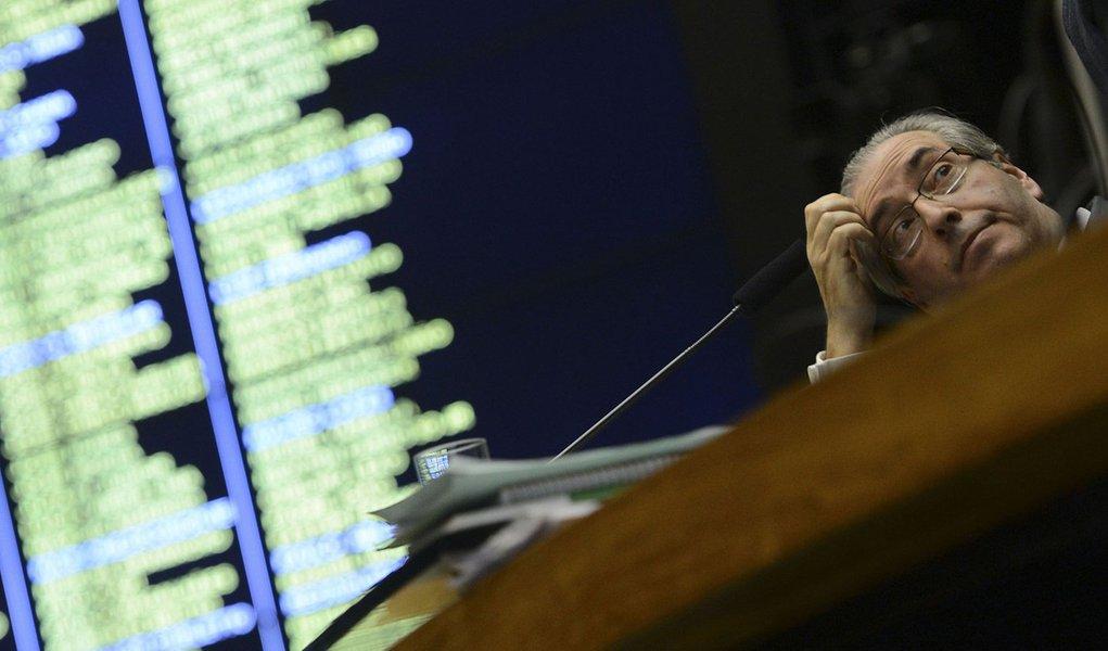 Bras�lia - Presidente da C�mara dos Deputados, Eduardo Cunha, durante sess�o extraordin�ria para discuss�o e vota��o de diversos projetos (Valter Campanato/Ag�ncia Brasil)