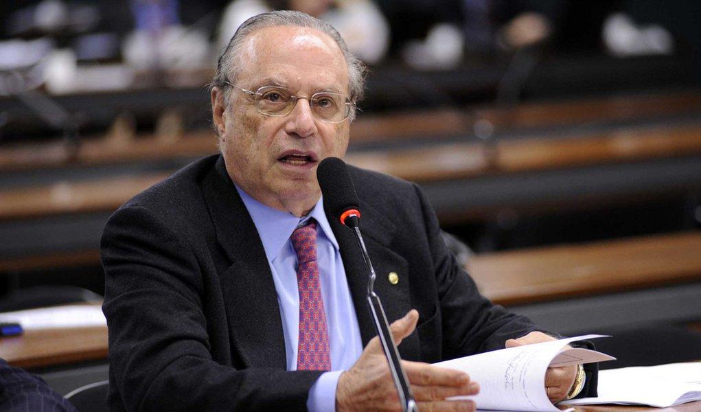 Plenário 1 Comissão de Constituição e Justiça Reunião Ordinária Dep. Paulo Maluf Foto: Janine Moraes 08.06.2010