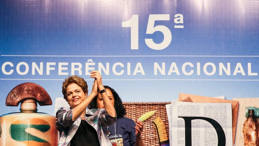 Brasília - DF, 04/12/2015. Presidenta Dilma Rousseff durante 15ª Conferência Nacional de Saúde. Foto: Roberto Stuckert Filho/PR