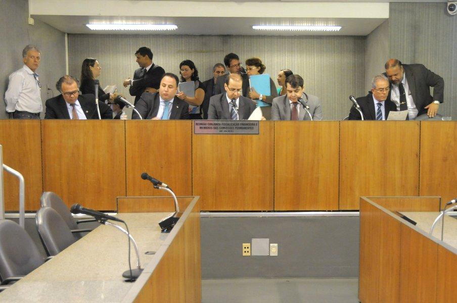 Vanderlei Miranda (deputado estadual PMDB/MG), Tiago Ulisses (deputado estadual PV/MG), F�bio Cherem (deputado estadual PSD/MG), Duarte Bechir (deputado estadual PSD/MG)