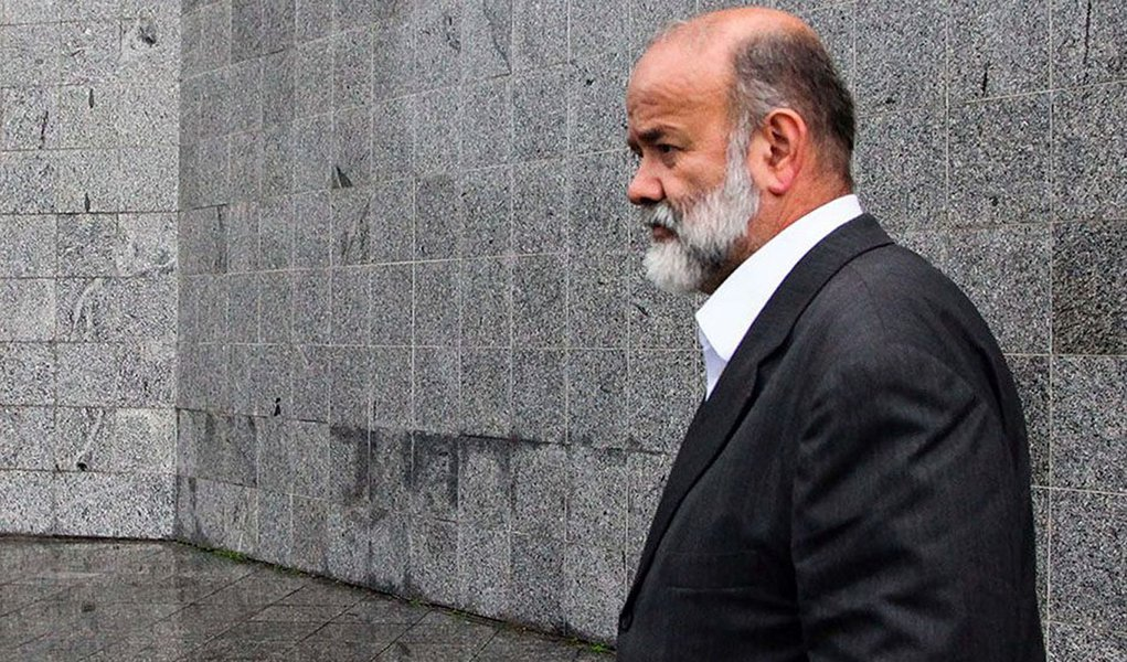 SÃO PAULO,SP,05.02.2015:OPERAÇÃO-LAVA-JATO - O tesoureiro do PT, João Vaccari Neto, presta depoimento na Polícia Federal, em São Paulo (SP), durante nona fase da operação Lava Jato, deflagrada na manhã desta quinta-feira (5). Vaccari será obriga