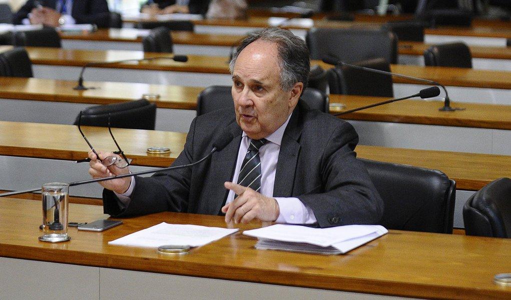 Cristovam Buarque (PDT-DF). Foto: Edilson Rodrigues/Agência Senado