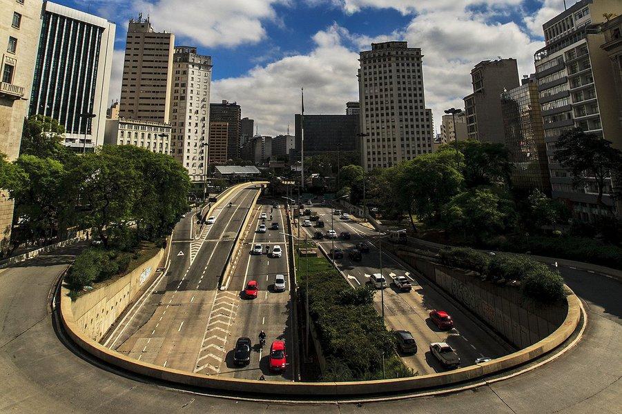 São Paulo- SP- Brasil- A cidade de São paulo completa 462 anos nessa segunda-feira (25/01/2016). Na foto, viaduto do chá. Foto: Oswaldo Corneti/ Fotos Públicas