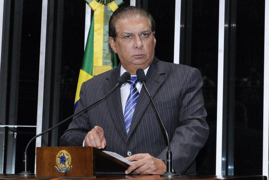 """Discussão da proposta que estabelece o voto aberto em todas as decisões do Legislativo (PEC 43/13): senador Jader Barbalho (PMDB-PA) defende a manutenção do voto secreto e alerta para """"dependência do Legislativo ao Executivo"""""""