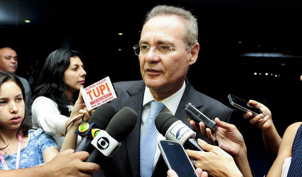Presidente do Senado Federal, senador Renan Calheiros (PMDB-AL), concede entrevista. Foto: Jonas Pereira/Agência Senado