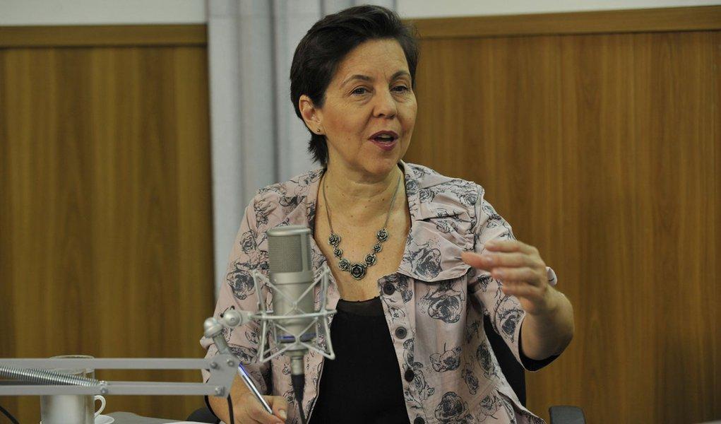 No programa Bom Dia Ministro, a ministra Tereza Campello fala sobre aumento de renda de beneficiários do Bolsa Família e construção de 5 mil cisternas em escolas rurais  (ElzaFiuza/Agência Brasi)l