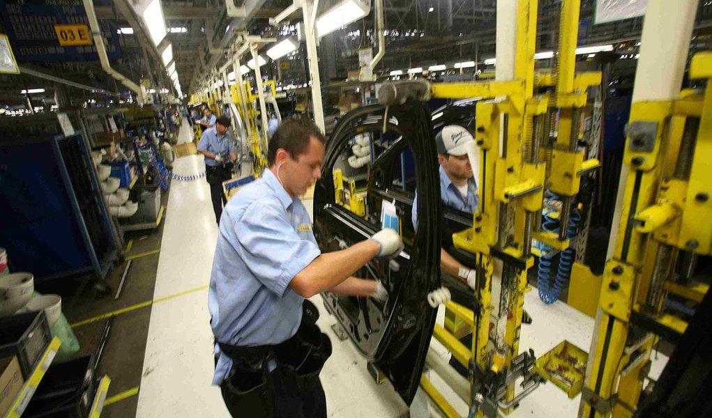Em ritmo inverso ao da média brasileira, o emprego na indústria do Paraná cresce pelo 22.º mês consecutivo. Foto: Gilson Abreu/FIEP