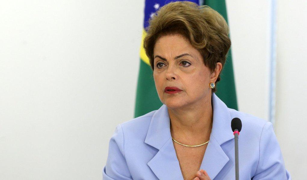 Brasília- DF 25-06-2015 Presidenta Dilma durante reunião com o governador de são paulo, Geraldo Alckmin. Assinatura de contrato de finaciamento para sabsp Foto Lula Marques/AgênciaPT/Fotos Públicas