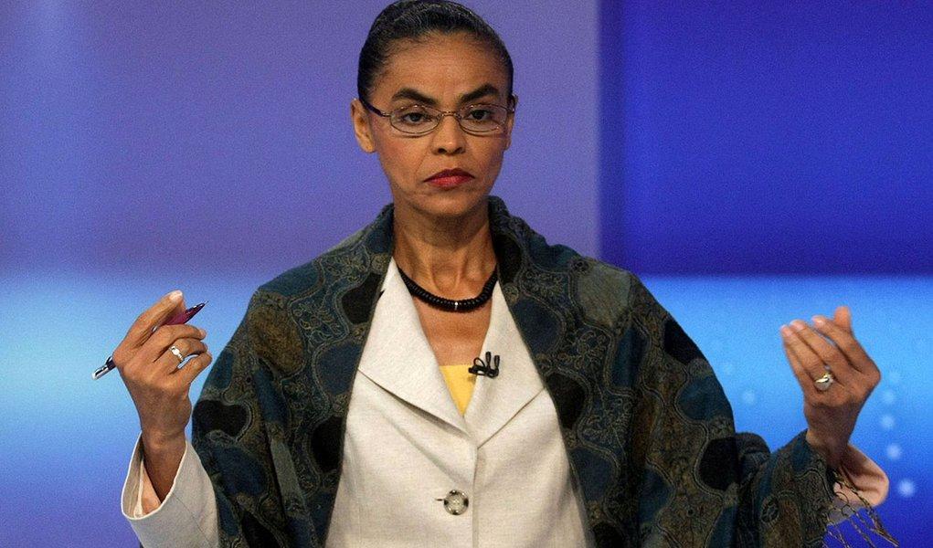 RJ - ELEIÇÕES 2010/DEBATE/GLOBO  - POLÍTICA - A candidata à presidência da República, Marina Silva (PV), durante o debate promovido   pela Rede Globo, realizado no Projac, em Jacarepaguá,   na zona oeste do Rio de Janeiro,   nesta quinta-feira   30/09/201