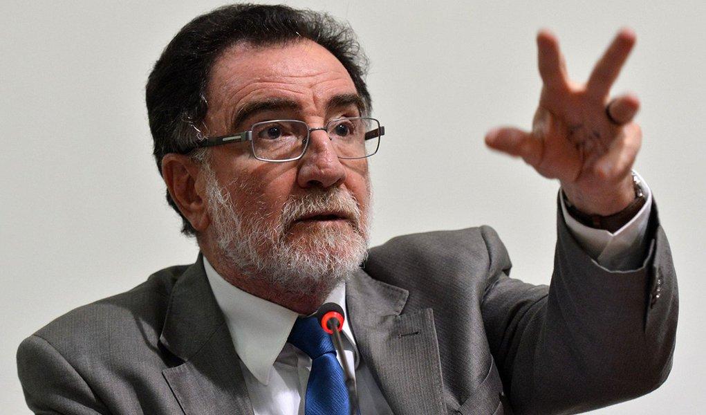 Brasília- DF- Brasil- 09/03/2015-  O ministro Patrus Ananias participa do debate sobre o estudo Repensando o Conceito de Ruralidade no Brasil: Implicações para as Políticas Públicas (Antonio Cruz/Agência Brasil)